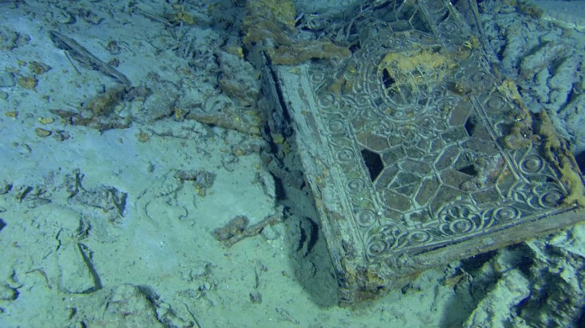 the gallery for gt titanic pictures underwater bodies